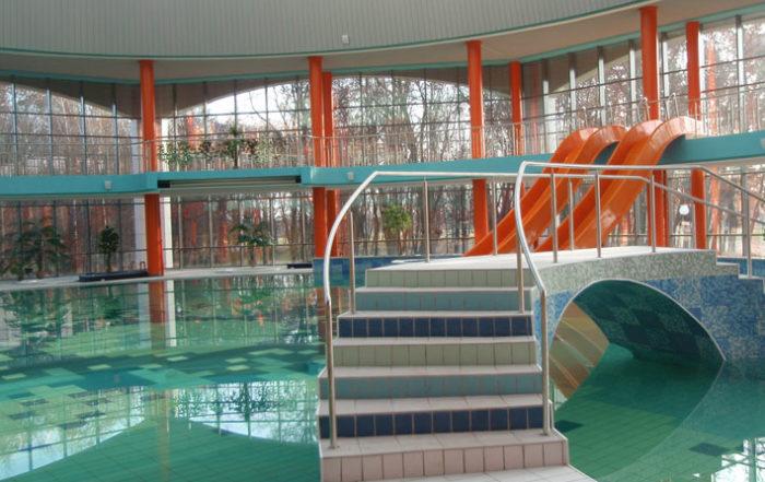 Главный бассейн аквапарка Кобрин