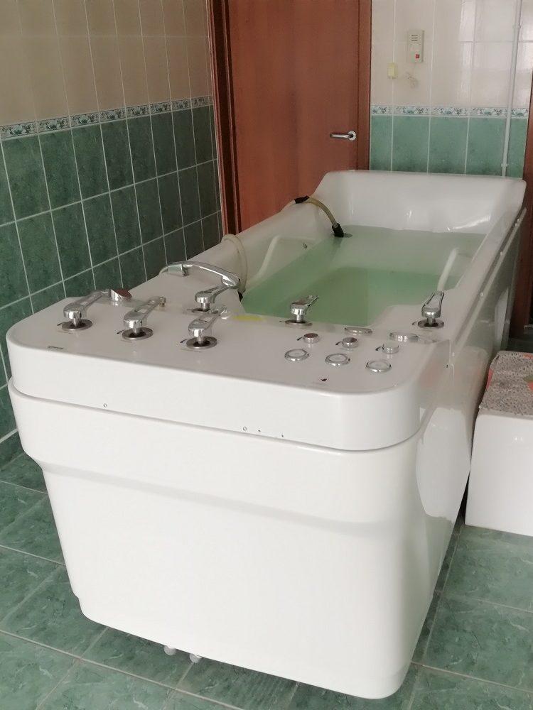 Подводный душ массаж в Кобринском Аквапарке
